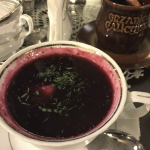 Sopa de remolacha polaca